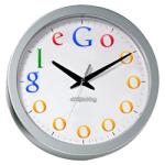 Een klok met het Google logo