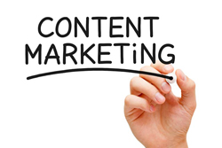 Content marketing geschreven met een pen in de hand