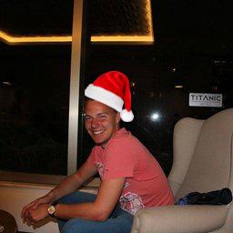 jacko meijaard met kerstmuts